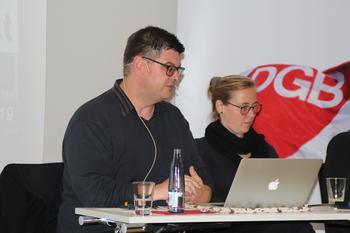 Die beiden Referent*innen der VA - Andrej Holm und Larisa Tsvetkova